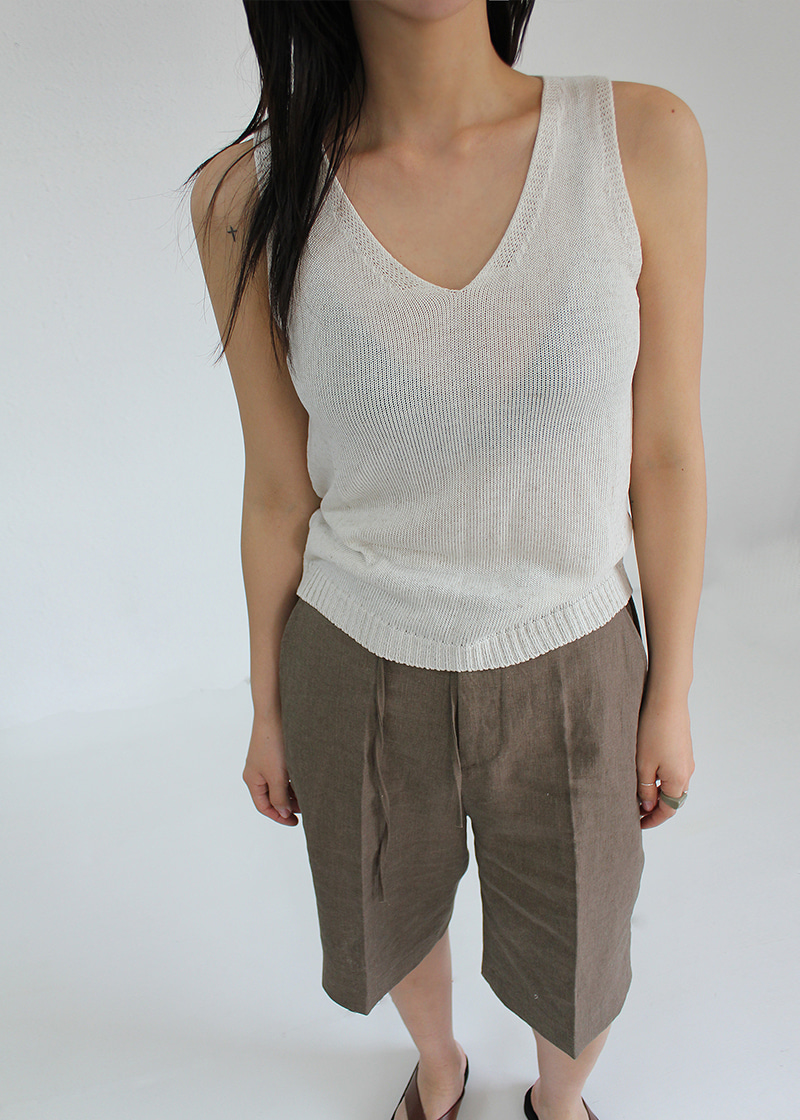 flat sleeveless knit (3c)