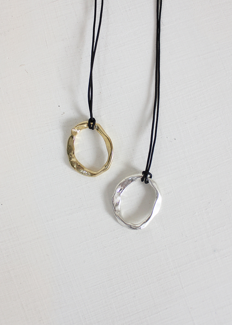 brass crushed circle necklace (2c)