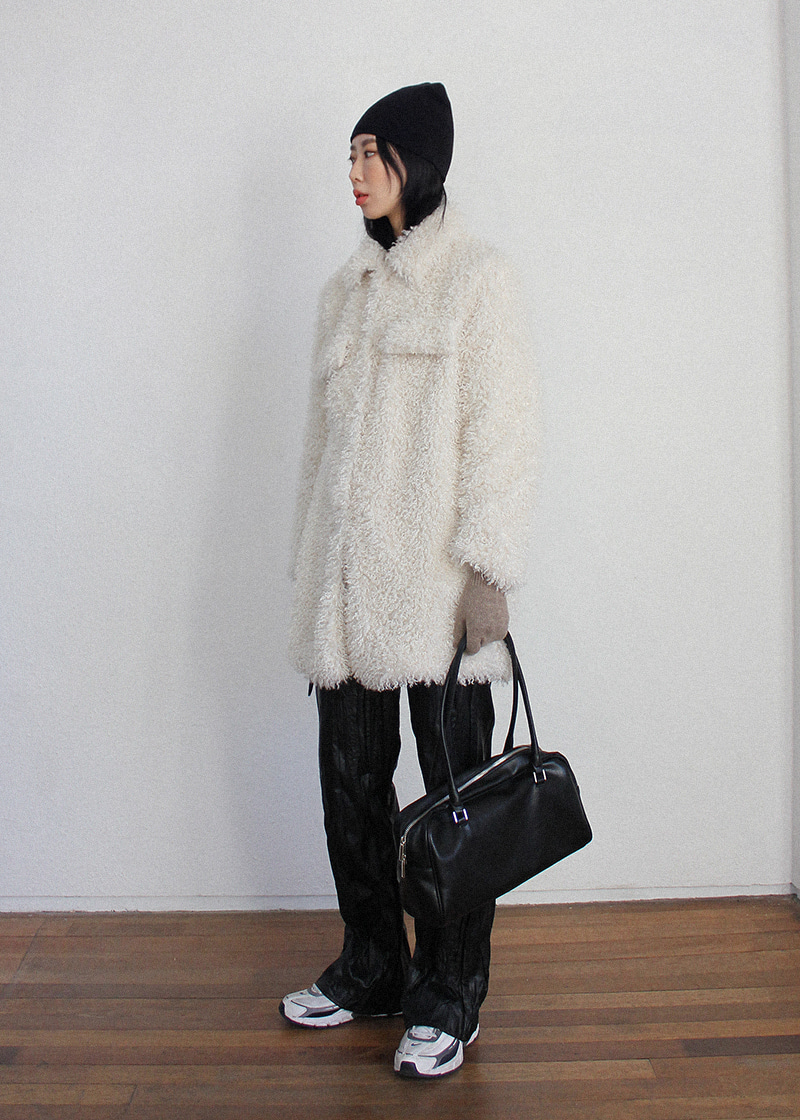 [sale] scrunch fake fur long coat (white)