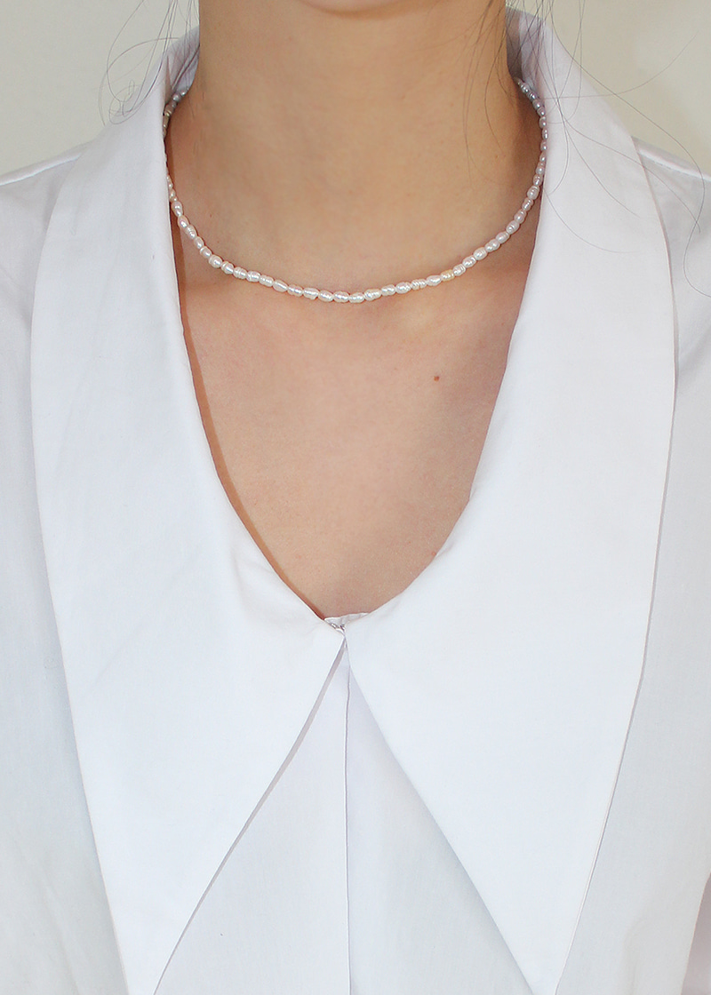 small uneven pearl necklace