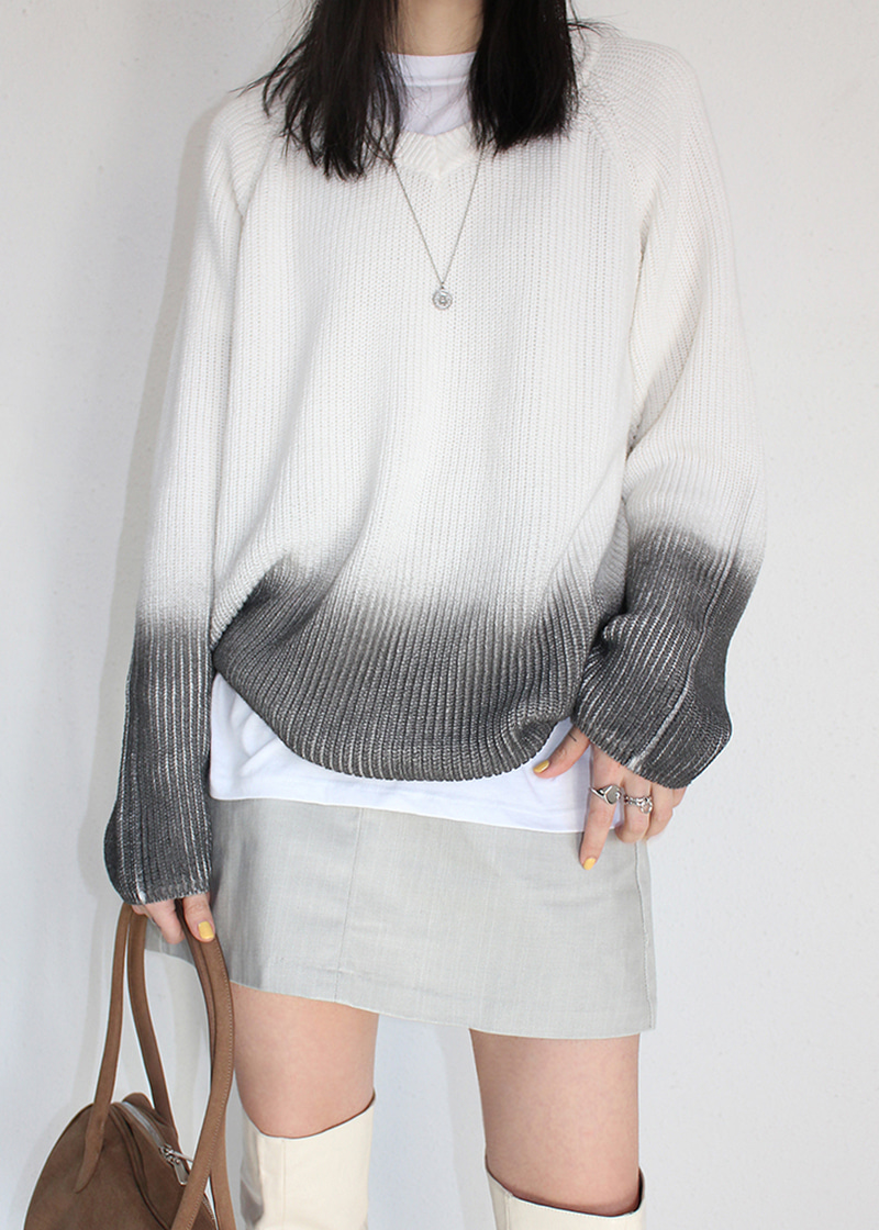 gradation v neck knit (charcoal)