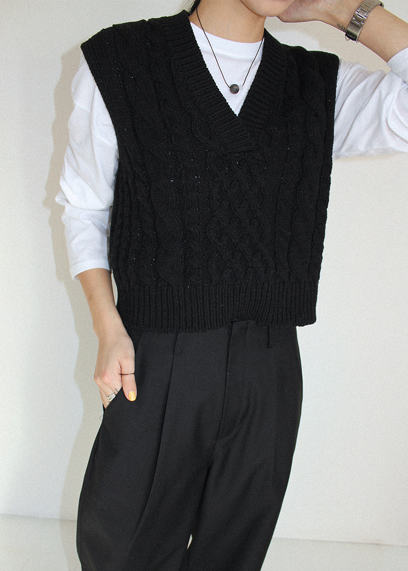 twist v neck knit vest (3c)